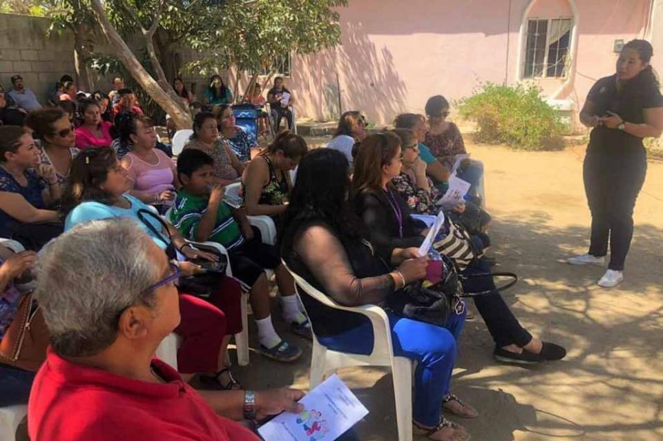 Brinda gobierno estatal apoyo a padres de familia en materia de derechos de niños y adolescentes