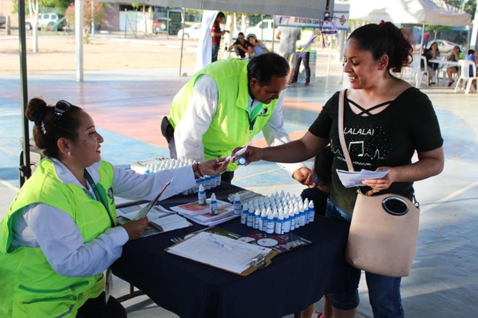 Realiza COEPRIS promoción del saneamiento básico en colonias de La Paz