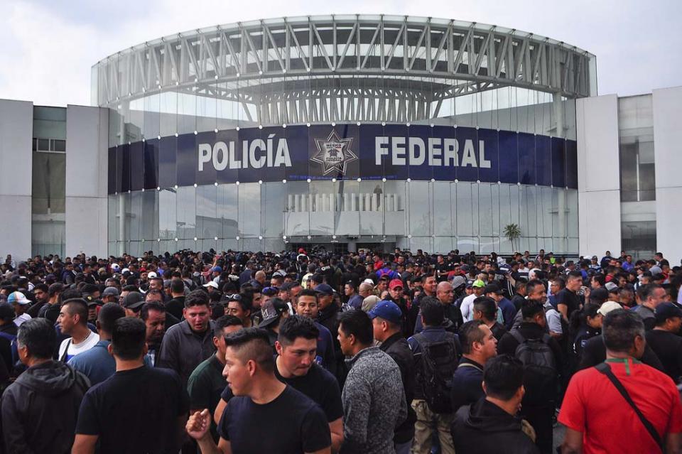 Sin acuerdos, cierran mesa de diálogo policías federales y autoridades