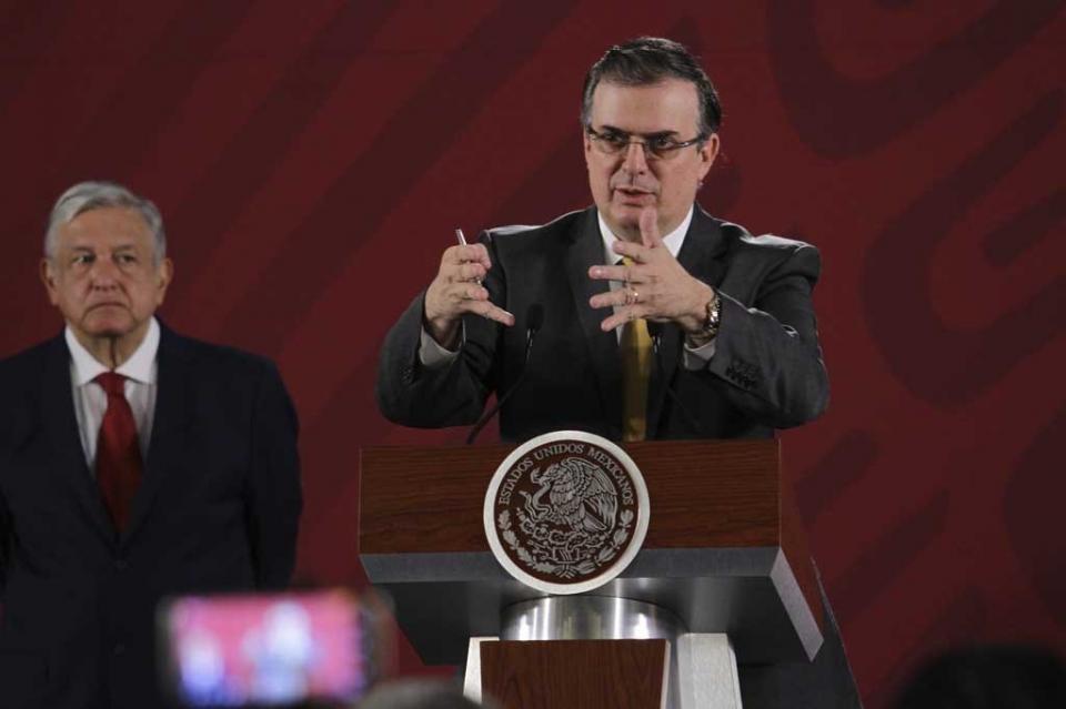 Ebrard pidió a Pompeo operativos contra tráfico de armas hacia México