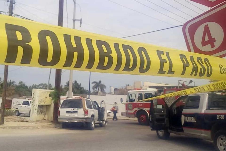 Camioneta se pasa el alto y provoca choque con saldo de un muerto y un lesionado en El Zacatal