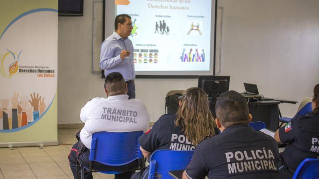 Gobierno Municipal capacita a Policías en materia de respeto a los Derechos Humanos