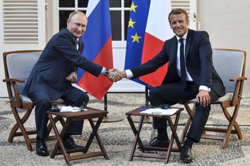 """Macron propone a Putin una cumbre sobre Ucrania """"en las próximas semanas"""""""
