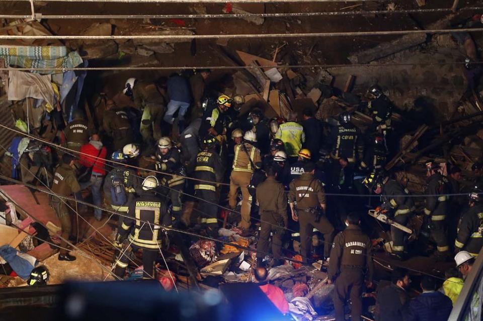 Al menos 4 muertos en derrumbe de cerro del puerto chileno de Valparaíso
