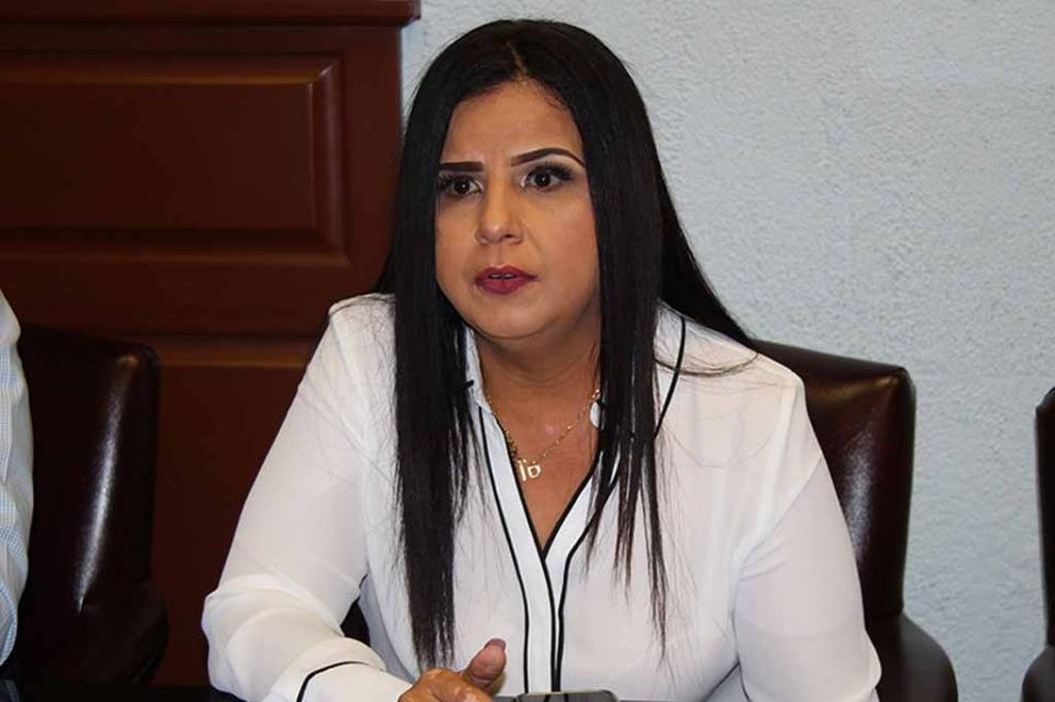 Trabajaremos a marchas forzadas para entregar la nueva desalinizadora para CSL en 1 año 8 meses: Armida Castro