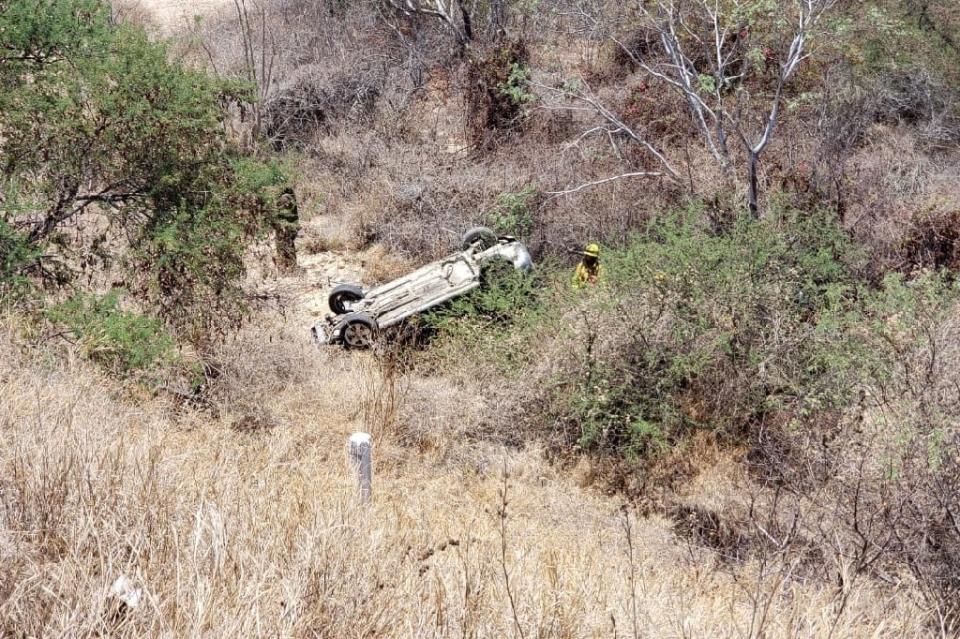 Volcadura de auto deja sin vida a una persona en corredor turístico