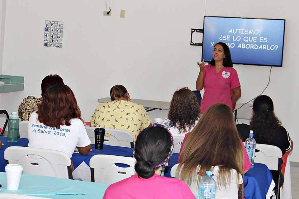 Capacitará SEP a más de 900 directores de básica de BCS sobre nueva escuela mexicana