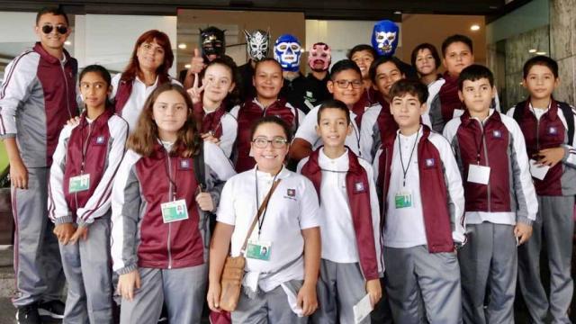 Viaja a la ciudad de México delegación de 14 alumnos de BCS ganadores de la Olimpiada Infantil del Conocimiento