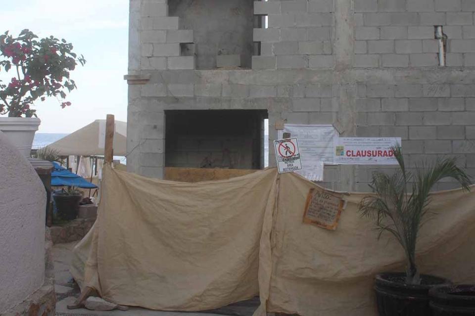 Construcción en acceso a playa El Médano, bajo investigación municipal
