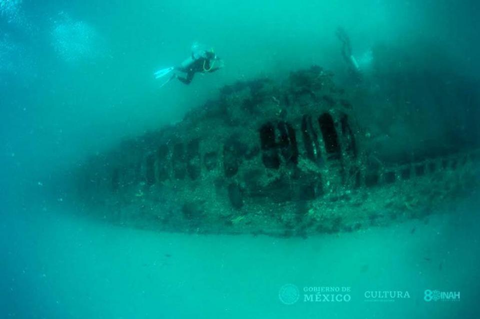 Arqueólogos del INAH registran submarino de la Primera Guerra Mundial, hundido en aguas de Baja California Sur