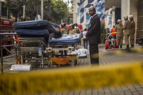 Aumentan a 11 los muertos por incendio en hospital de Río de Janeiro