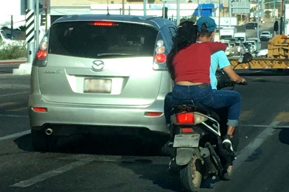 Recurrente ver motociclistas sin casco por calles de Los Cabos