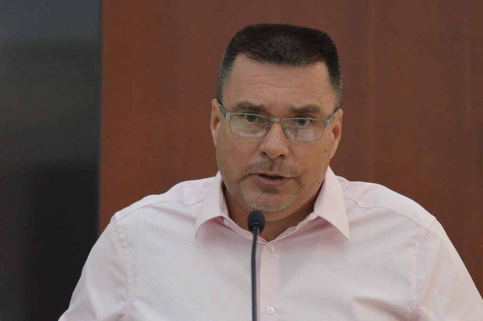 Propone el Dip. José Luis Perpuli devolver la representación jurídica a la Mesa Directiva