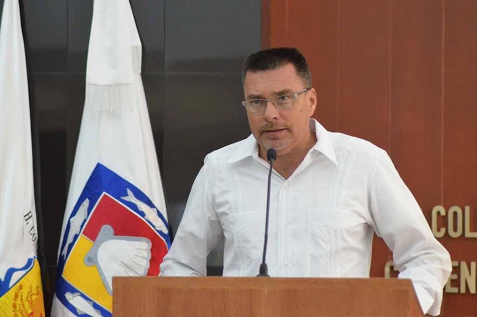Seguir trabajando cerca de la gente y redoblar esfuerzos compromete Dip. José Luis PerpuliDrew