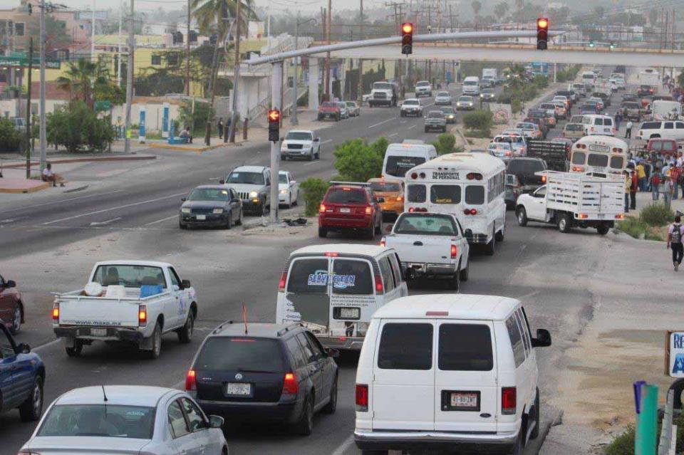 Un desastre en Los Cabos la movilidad, no mas a largas a la pretendida Ley en la materia, ingenieros y arquitectos