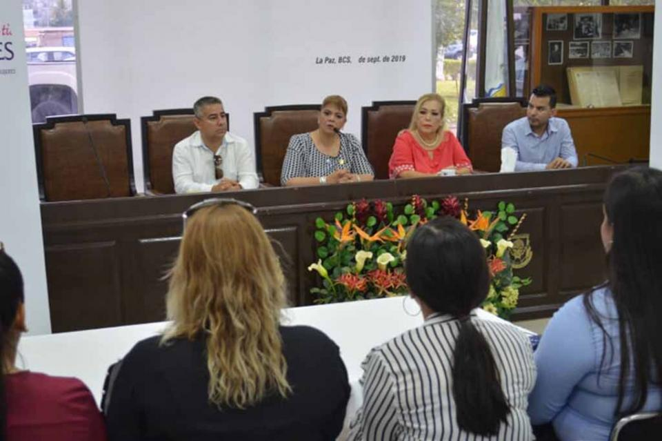 """""""Es tiempo de los jóvenes para construir el Estado y País que queremos"""": Dip. Rocha Torres"""
