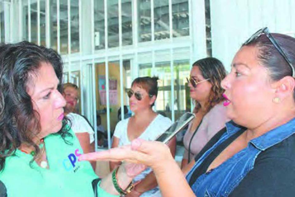 Solicitan madres de familia a la SEP construcción de una nueva techumbre en la Telesecundaria de Santa Catarina