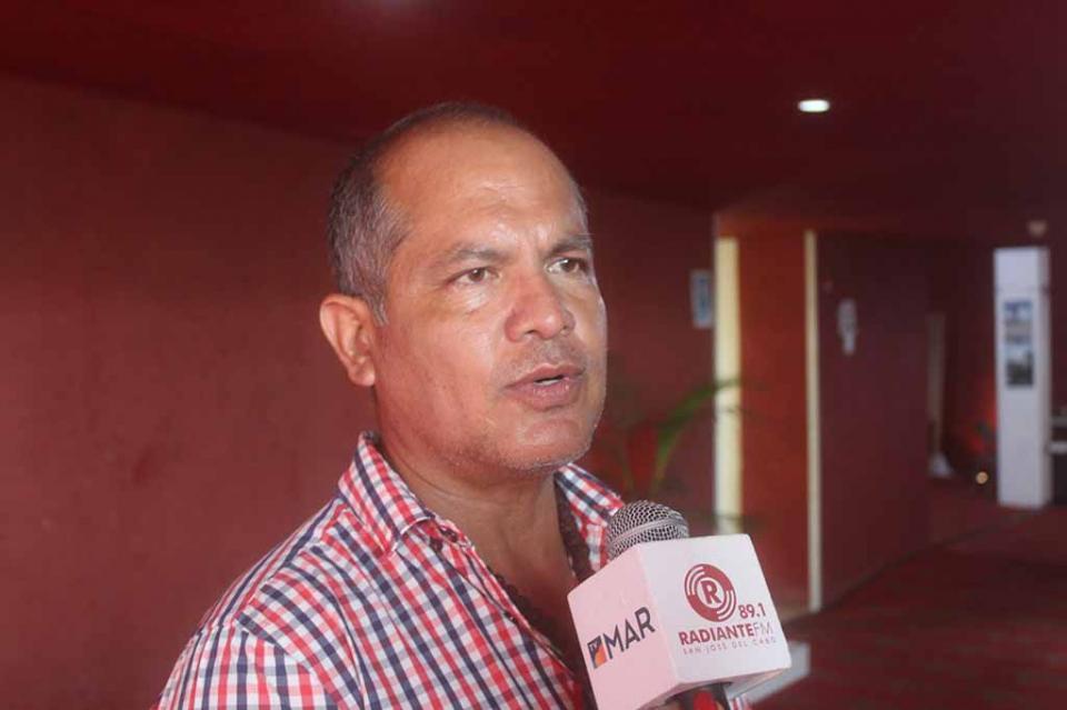 Urgente que Profeco instale módulos en La Paz y Los Cabos para evitar abusos en comercios y gasolineras: Carlos Tinoco