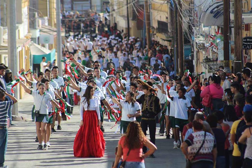 Esperan participación de 100 escuelas en tradicional desfile del 20 de Noviembre