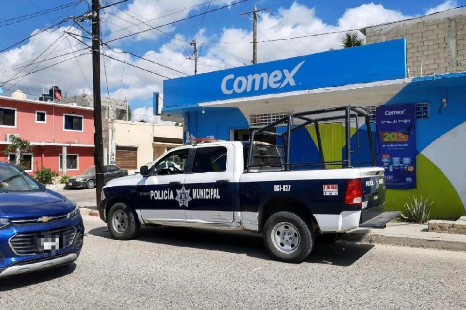 Asaltan comercio en Cabo San Lucas con arma de fuego, llevándose más de 100 mil pesos
