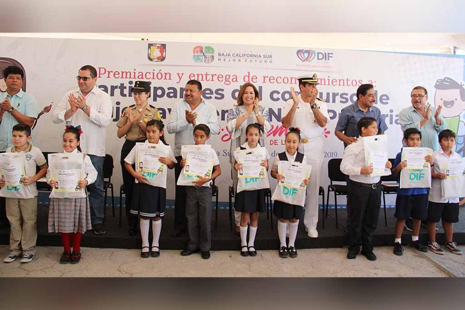 Premian a niñas y niños ganadores del concurso de Dibujo Pavimental