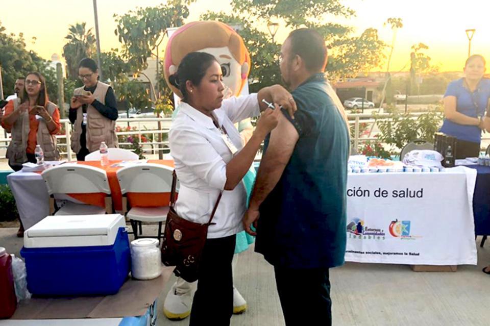 Impulsa Salud la prevención de enfermedades respiratorias en Feria de Vivir en Paz