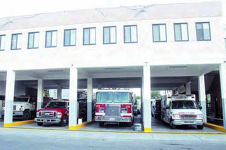 Unidades de Bomberos dieron servicio de ambulancias para traslado lesionados por causa de las lluvias en CSL: Juan Carbajal