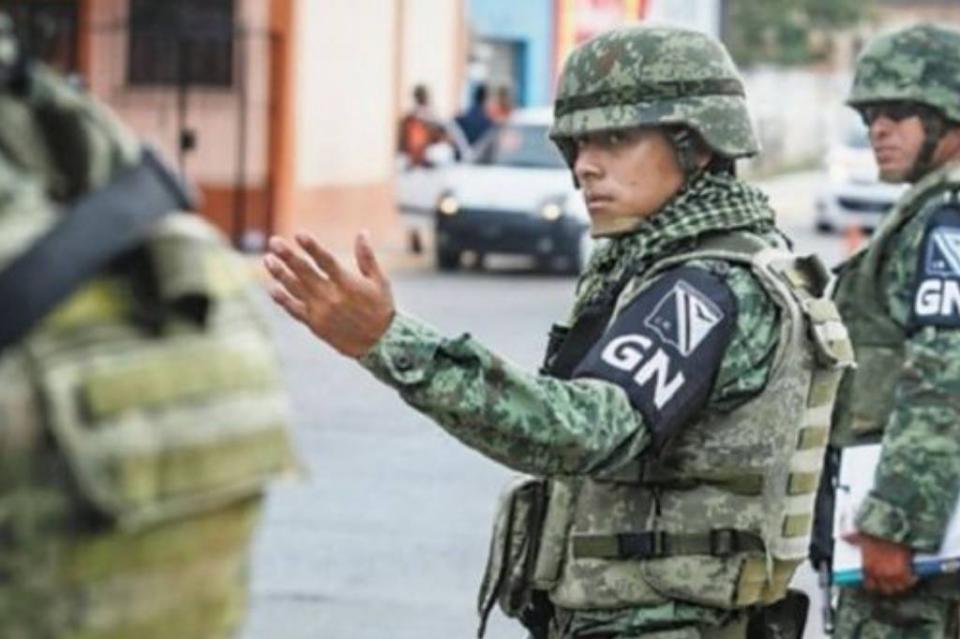 Guardia Nacional resguarda traslado de insumos médicos en el país