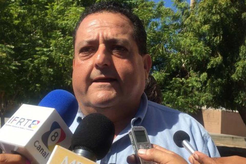 Llama gobernador Carlos Mendoza Davis a la civilidad y respeto, ante protestas en el congreso local