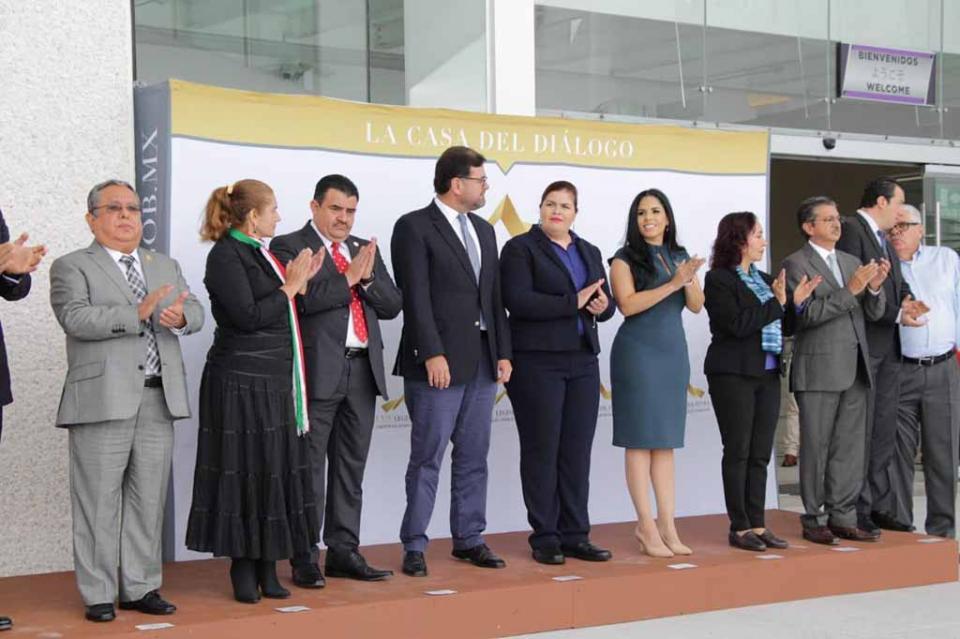 Suscriben convenio congresos de BCS y Guanajuato para gestión documental