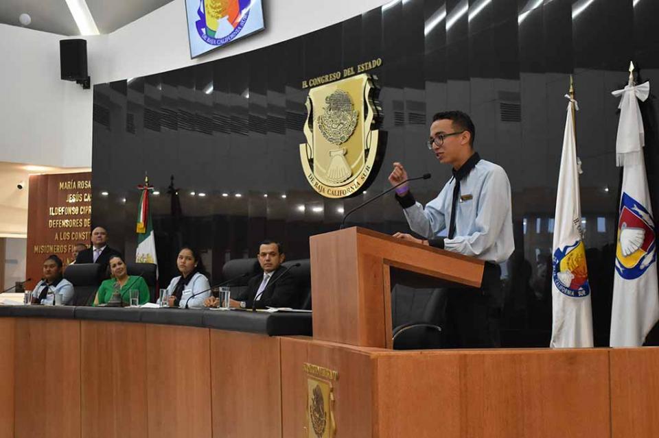 El Parlamento juvenil pide a las autoridades se incluya a jóvenes en la toma de decisiones