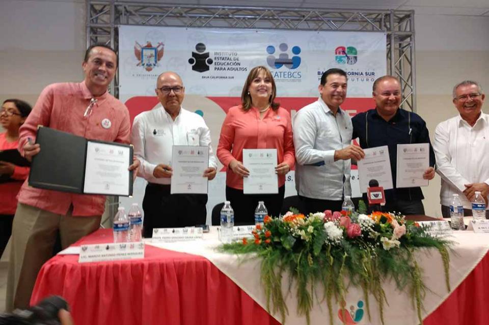 IEEA y DIF La Paz se unen para acercar la educación a más personas
