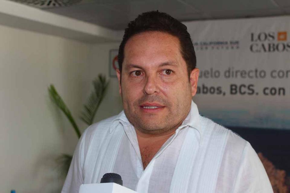 Primer vuelo directo Los Cabos-Europa una ventana más para la llegada de visitantes: Luis Humberto Araiza