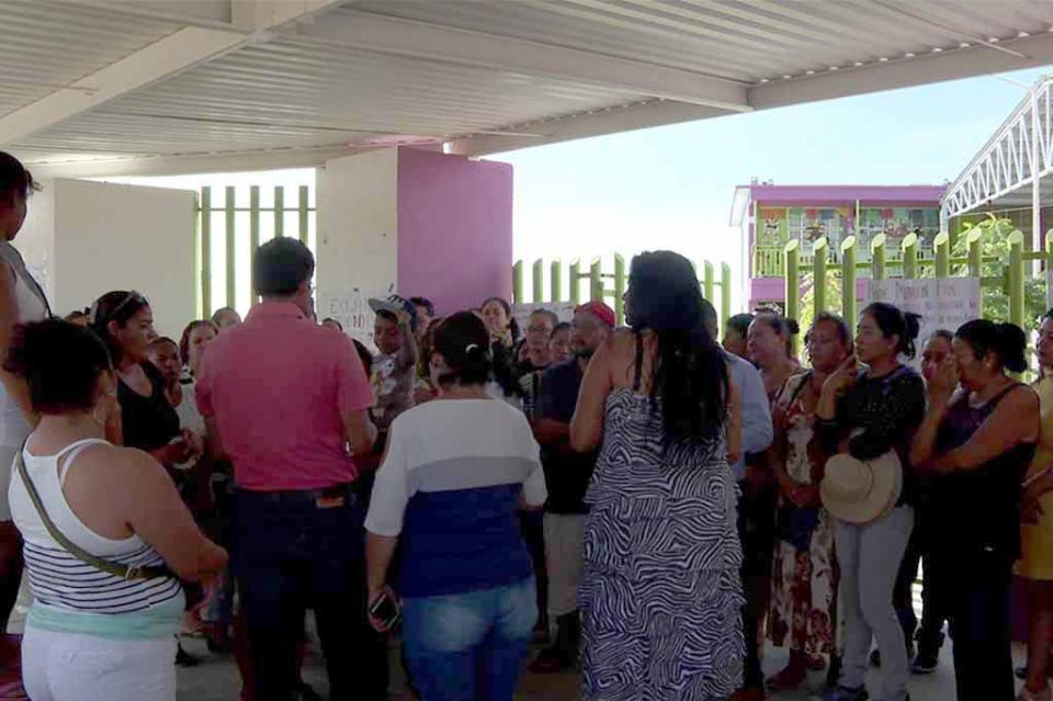 Recurrirán al amparo padres de familia para que autoridades educativas no cancelen el programa Escuela de Tiempo Completo
