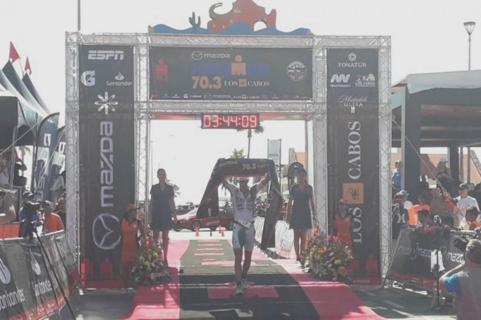 Lionel Sanders máximo ganador del Ironman Los Cabos 70.3