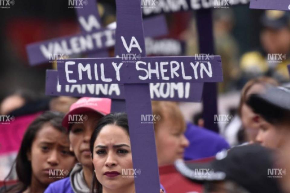 Marchan del Ángel al Zócalo contra feminicidios