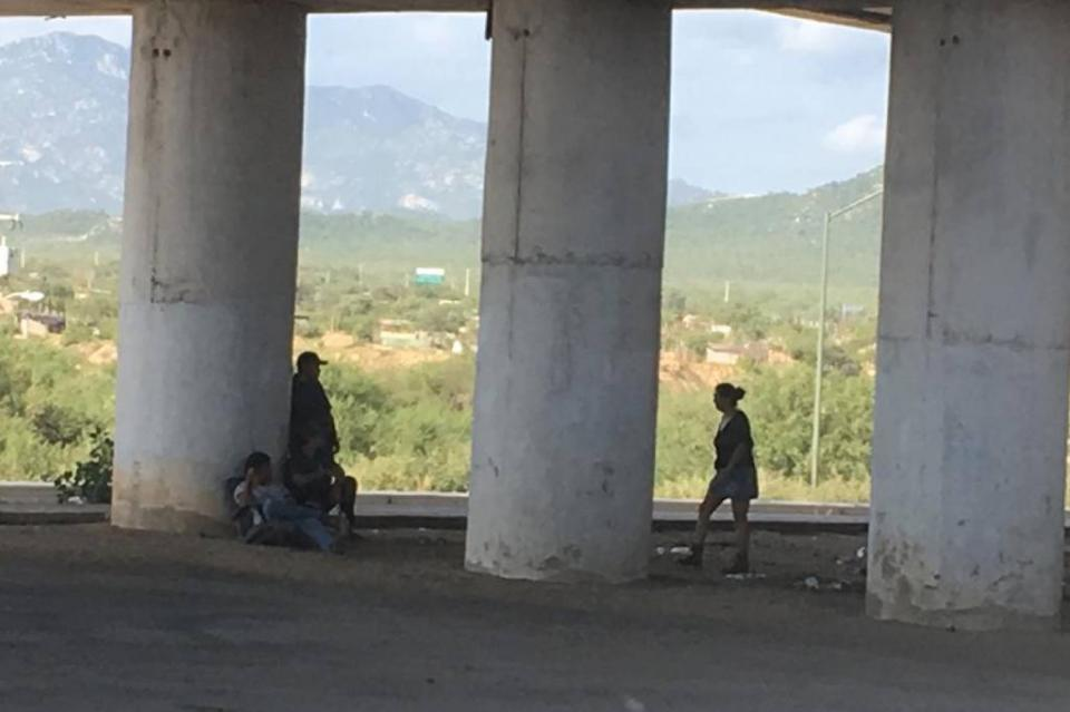 Piden ciudadanos que haya vigilancia debajo del Puente Leona Vicario