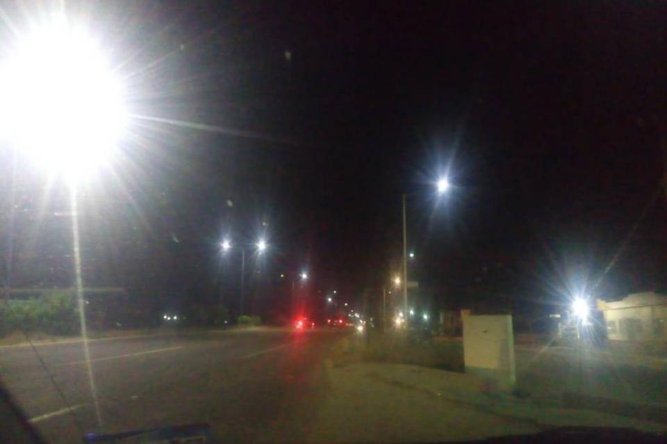 Tramos de la carretera Transpeninsular sin alumbrado público, denuncia residente de SJC