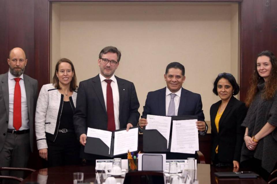 Firman convenio Banco del Bienestar y Sparkassenstiftung para renovar y ampliar la oferta de productos y servicios financieros