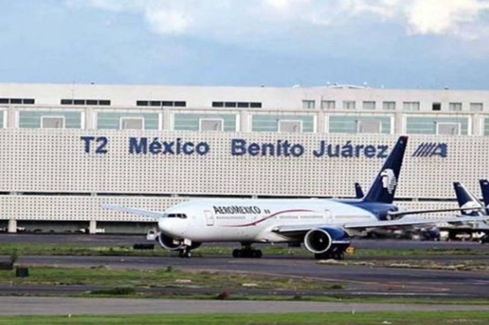 Reanuda operaciones aeropuerto capitalino al registrarse banco de niebla