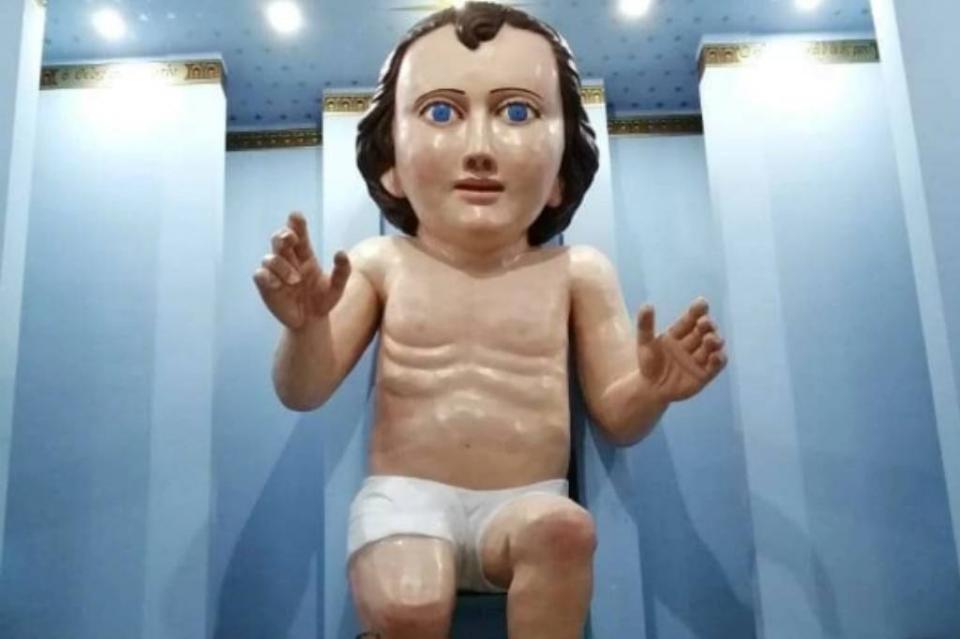Niño Dios gigante es la sensación en redes sociales y lanzan lluvia de memes