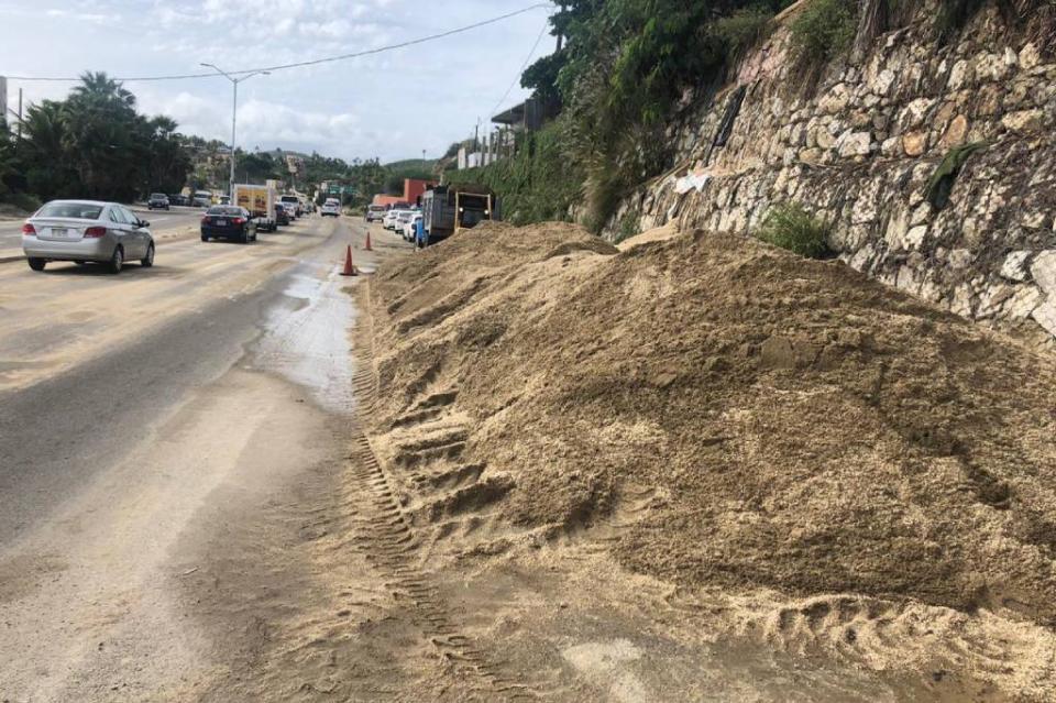 Se rehabilitan tramos afectados en la carretera federal de Los Cabos
