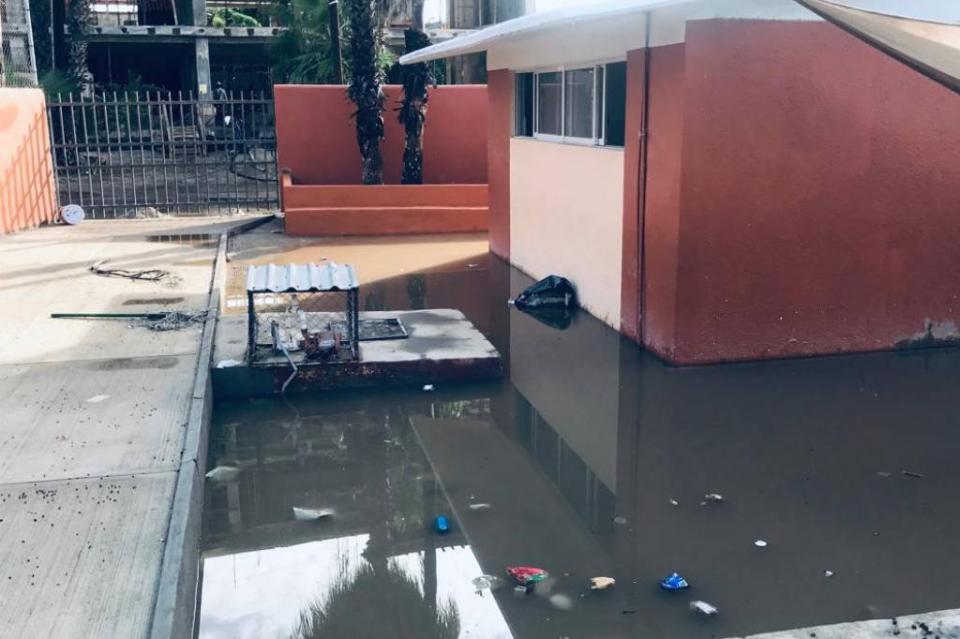 Por falta de agua e inundación, alumnos de primaria Gregorio Cruz y Rodríguez en SJC no pudieron regresar a clases