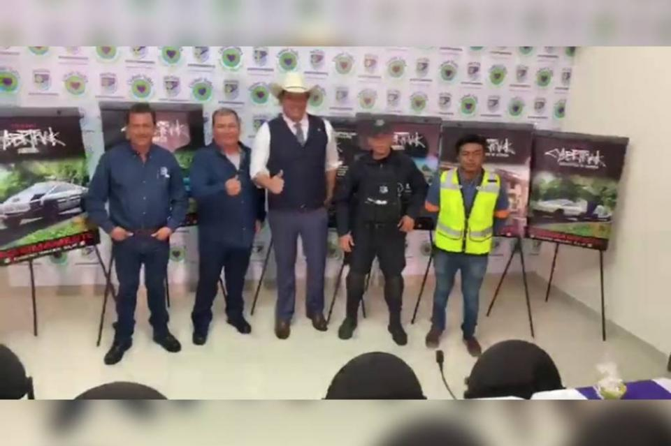 Alcalde de Ciudad Valles, en SLP adquiere 15 camionetas Tesla