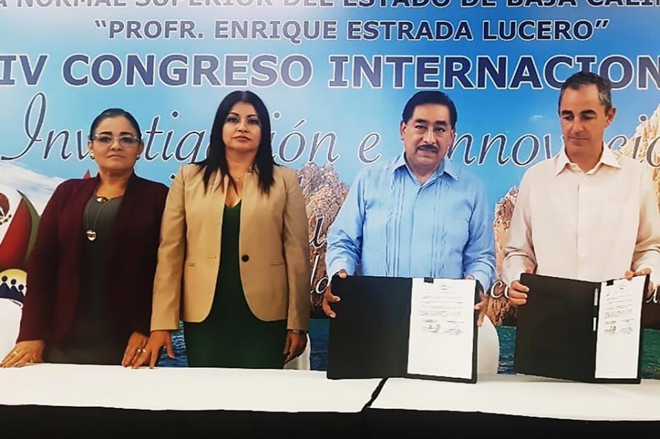 Signa convenio de colaboración SEP con universidad de Madrid