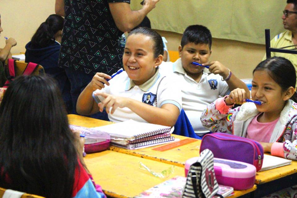Salud llevó pláticas de higiene bucal a escuelas de nivel básico