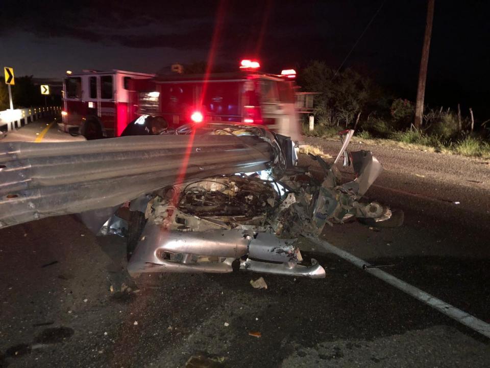 Una persona sin vida y una lesionada saldo en accidente automovilístico en San Pedro
