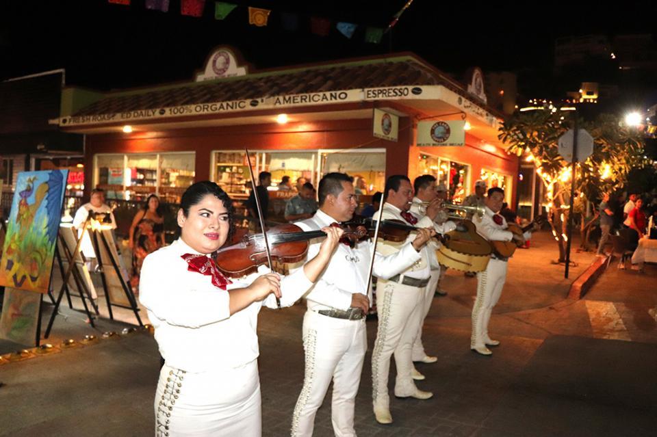 """""""Viva La Plaza"""" presenta un programa navideño para toda la familia en la Plaza Amelia Wilkes"""