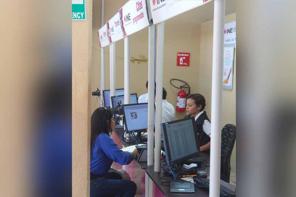 Invita INE a ciudadanía a renovar o solicitar su credencial de elector antes de que termine el año, exhorta Carlos Arnaut, vocal del registro de electores