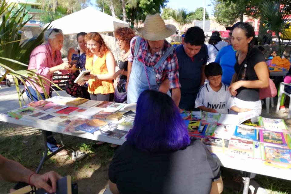 Con gran éxito se llevó a cabo la primera Feria del Libro en Todos Santos BCS